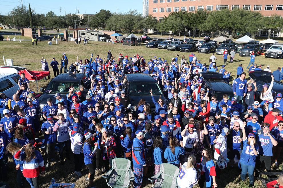 McCoy-Sports-Buffalo-Bills-fans-playoffs-2020