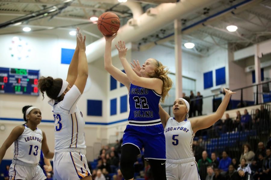 Sports-Scull-Section VI-Girls Basket ball-Grand Island-Lockport-lydia-sweeney-2020