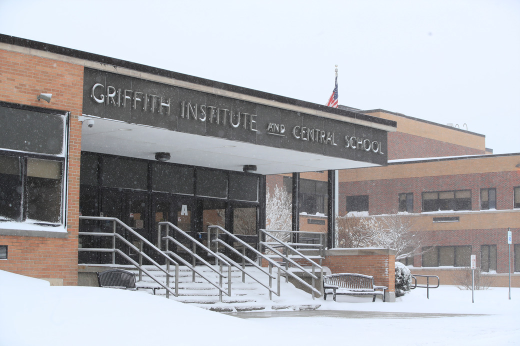 Griffith Institute-High-School-Scull-Weather-Snow-Springville-Griffith Institute-High School-Kim-Moritz-2020