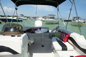 21 ft. Stardeck Aurora 2000 Deck Boat Boat Rental Miami Image 1