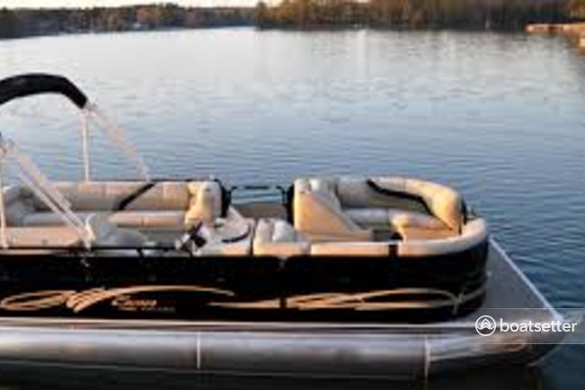 Rent a 2014 24 ft. Harris-Kayot Boats S245 Deck Boat in Destin, FL on Boatsetter