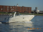 33 ft. Rinker Boats 310 Fiesta Vee Cruiser Boat Rental Washington DC Image 1