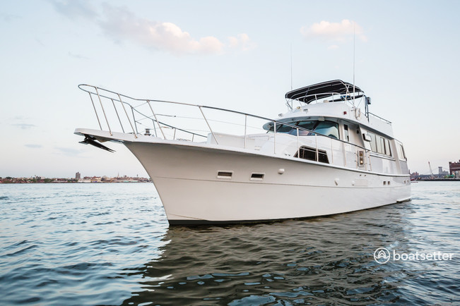 Rent A Hatteras Yachts 58 Motor Yacht In New York Ny On