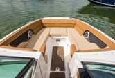 24 ft. Sea Ray Boats 240 Sundeck w/250XL Verado Bow Rider Boat Rental The Keys Image 8