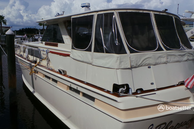 Rent A 1970 50 Ft Chris Craft 47 Commander In Palmetto Fl On