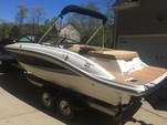24 ft. Sea Ray Boats 21 SPX w/150 EFI 4-S  Cruiser Boat Rental Rest of Southeast Image 3