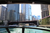 33 ft. Sea Ray Boats 300 Sundancer Cruiser Boat Rental Chicago Image 19