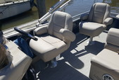 22 ft. Avalon Pontoons 22' LSZ Fish Pontoon Boat Rental N Texas Gulf Coast Image 2