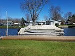 25 ft. Crest Pontoons 25 Crest II Pontoon Boat Rental Rest of Northeast Image 2