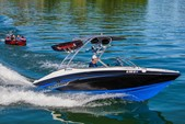 19 ft. Yamaha AR 190 Bow Rider Boat Rental Miami Image 9