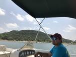 26 ft. JC and Neptoon Pontoon 266 TriToon Pontoon Boat Rental Austin Image 16