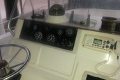 25 ft. Sea Ray 240 Sundeck Center Console Boat Rental Tampa Image 1