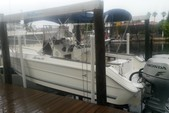 25 ft. Sea Ray 240 Sundeck Center Console Boat Rental Tampa Image 8