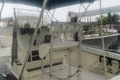 25 ft. Sea Ray 240 Sundeck Center Console Boat Rental Tampa Image 9