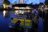 22 ft. Bentley SE 220 Pontoon Boat Rental Miami Image 2