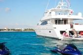 100 ft. Azimut 100 Motor Yacht Boat Rental Cancún Image 1