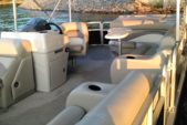 25 ft. Lowe Suncruiser Pontoon Boat Rental Atlanta Image 1