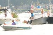 21 ft. Wellcraft 196 Step Lift Bow Rider Boat Rental Washington DC Image 3