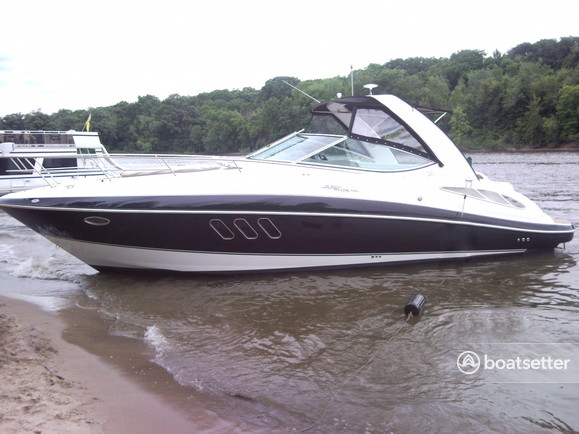 Rent A 2008 36 Ft Cruisers Yachts 330 Express In Ottawa Il On Boatsetter