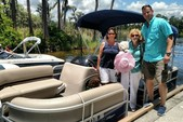 20 ft. Sun Tracker by Tracker Marine Party Barge 18 DLX w/60ELPT 4-S Pontoon Boat Rental Orlando-Lakeland Image 8