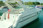 33 ft. Maxum 3000 SCR Express Cruiser Boat Rental Chicago Image 2