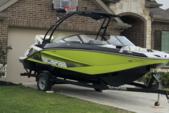 21 ft. Scarab 215 HO Impulse Bow Rider Boat Rental N Texas Gulf Coast Image 5