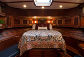 54 ft. Vicem Flybridge Flybridge Boat Rental New York Image 9