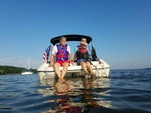 20 ft. Stingray Boats 198LX Open Bow Deck Boat Boat Rental Washington DC Image 34