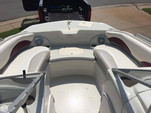 22 ft. Tahoe Boats 216 Walk Thru Bow Rider Boat Rental Chicago Image 9