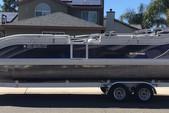 26 ft. JC and Neptoon Pontoon 266 TriToon IO Pontoon Boat Rental Sacramento Image 2