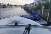 23 ft. Sea Hunt Boats Escape 234 LE Dual Console Boat Rental New York Image 3