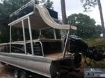 25 ft. Avalon Pontoons 24' Windjammer Funship Pontoon Boat Rental Tampa Image 2
