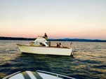25 ft. Carver Yachts 2560 Santa Cruz Cruiser Boat Rental Seattle-Puget Sound Image 1