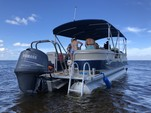 23 ft. Sun Chaser 2300 Pontoon Boat Rental Tampa Image 1