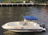 23 ft. Vectra 2302 Bow Rider Boat Rental Miami Image 3