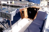 34 ft. Catalina 34 Fin Cruiser Boat Rental New York Image 12