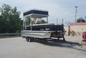 25 ft. Avalon Pontoons 24' Windjammer Funship Pontoon Boat Rental Tampa Image 5