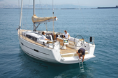 41 ft. Dufour Yachts Dufour 40 Cruiser Boat Rental Horta Image 3