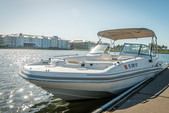 23 ft. Hurricane Boats SD 237 DC Deck Boat Boat Rental Tampa Image 9