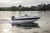 21 ft. Bayliner Element Deck Boat Deck Boat Boat Rental Sarasota Image 2