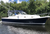 36 ft. Mainship 34 Pilot Downeast Boat Rental New York Image 7