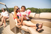 22 ft. Sweetwater Pontoon Pontoon Boat Rental Sarasota Image 2