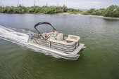 22 ft. Sweetwater Pontoon Pontoon Boat Rental Sarasota Image 3