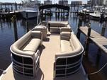 24 ft. Leisure Pontoons 2423 Navigator Deck Boat Boat Rental Miami Image 13