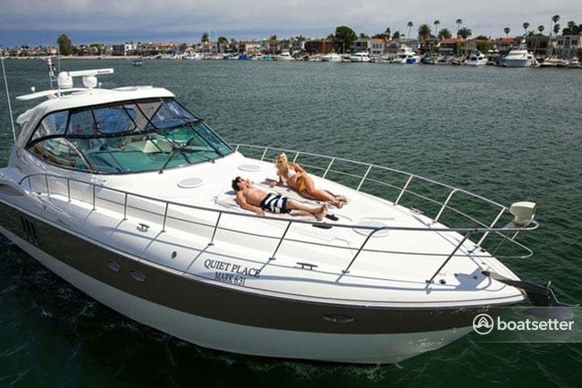 Rent A 2007 52 Ft Cruisers Yachts 520 Express In Newport Beach Ca On Boatsetter
