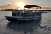 24 ft. Leisure Pontoons 2423 Navigator Deck Boat Boat Rental Miami Image 4
