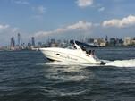29 ft. Sea Ray Boats 280 Sundancer Cruiser Boat Rental New York Image 6