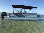 23 ft. Hurricane Fundeck  Deck Boat Boat Rental Tampa Image 1