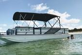 23 ft. Hurricane Fundeck  Deck Boat Boat Rental Tampa Image 3