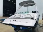 19 ft. Yamaha AR190  Bow Rider Boat Rental Jacksonville Image 2